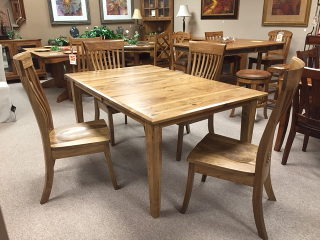 Dining rooms ferrin 39 s furniture great falls montana for Different designs of dining tables